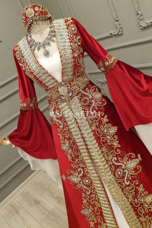 Rana Kırmızı Kuyruklu Bindallı Modeli Mağaza Çekimi